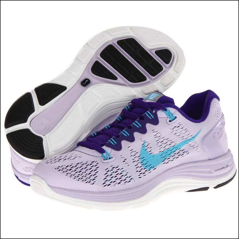 Asfaltta koşmak için spor ayakkabıları: seçim kriterleri
